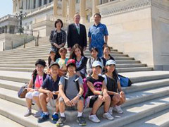 6th graders had the opportunity to get their picture taken with Senator Johnny Isakson on the Senate steps.